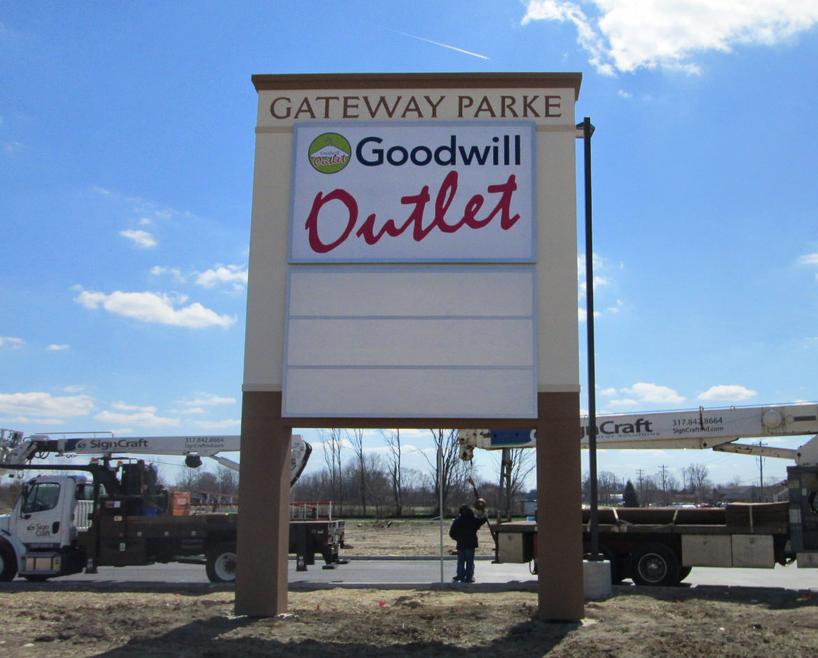 Goodwill Outlet Pylon Sign